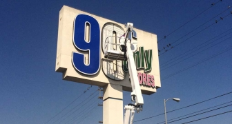 Pole Signs - 99¢ Store