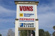 Vons Pole Sign In Simi Valey
